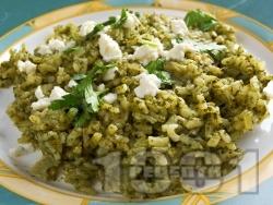 Спанак с ориз, яйца, сирене, лук и кисело мляко на фурна - снимка на рецептата